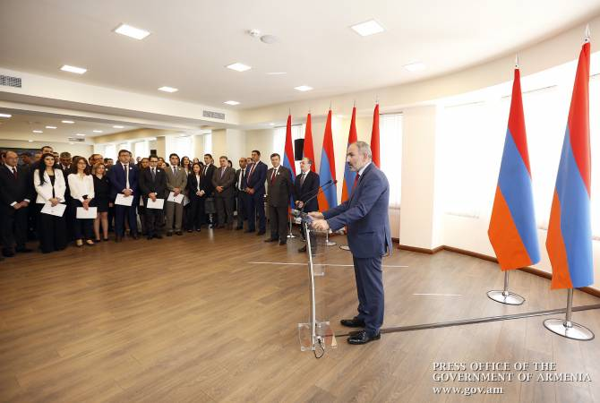 PM Nikol Pashinyan congratulates graduates of Diplomatic School of Armenia