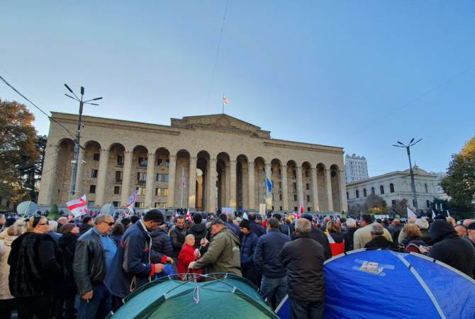 Demonstrators continue picketing parliament building in Tbilisi