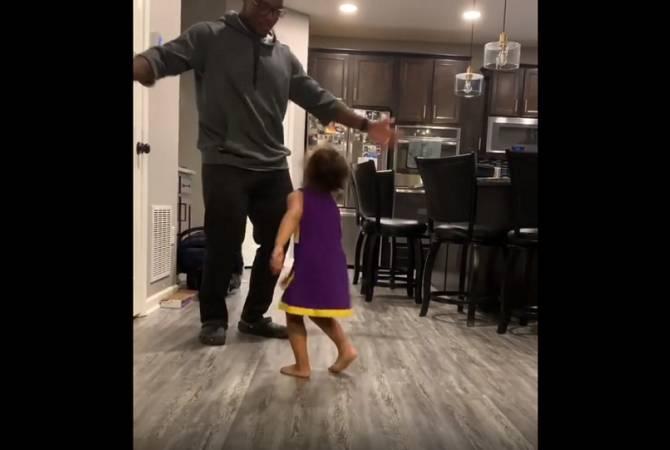 Փոքրիկ դստեր հետ հոր ուրախ պարը ցնցող ընթացք Է ստացել. տեսանյութ
