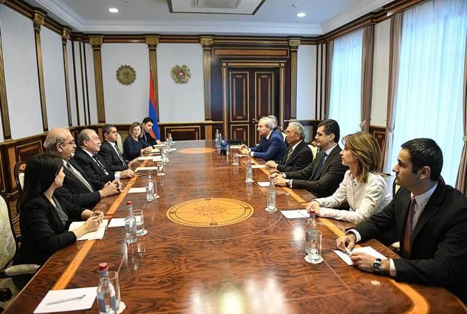 Армен Саркисян принял лауреата Государственной премии Армении за всемирный вклад в сферу ИТ