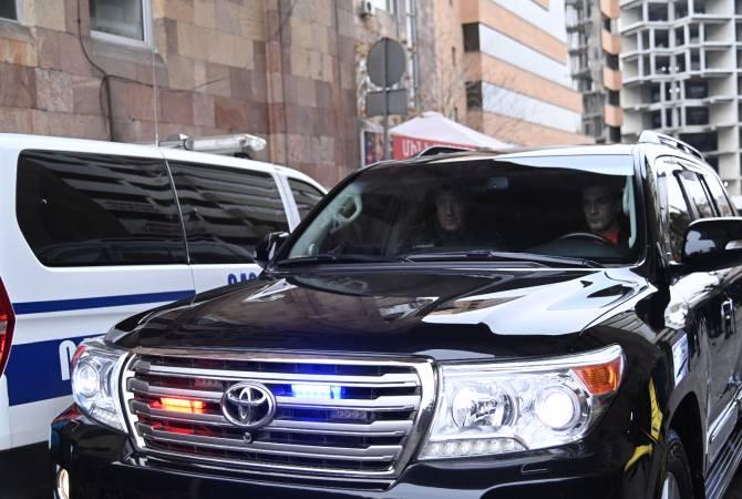 """Открывший огонь в бизнес-центре """"Эребуни плаза"""" мужчина отказался от дачи показаний"""
