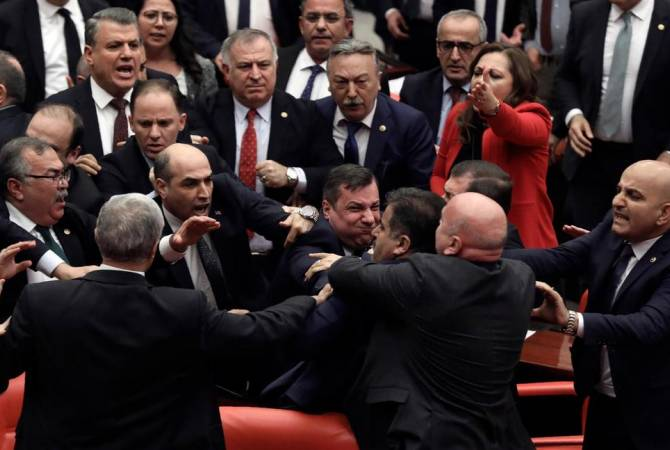 Turkey parliament session on Syria turns into fistfight