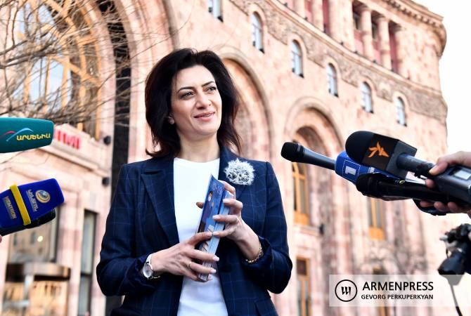 Анна Акопян в качестве волонтера вовлечена в борьбу с коронавирусом