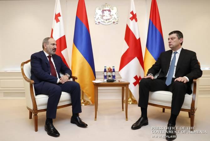Փաշինյանը Վրաստանի վարչապետի հետ քննարկել է Լարսի մաքսակետով բեռնափոխադրումներին առնչվող հարցեր
