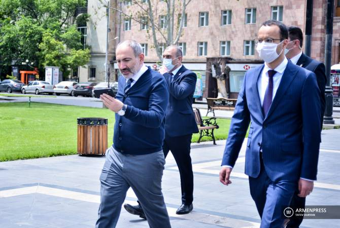 PM Pashinyan tours central Yerevan