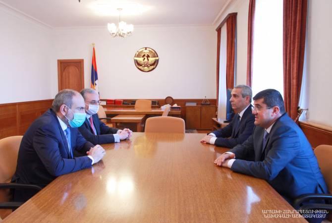 Президент Арцаха и премьер-министр Армении провели совещание по внешнеполитическим вопросам