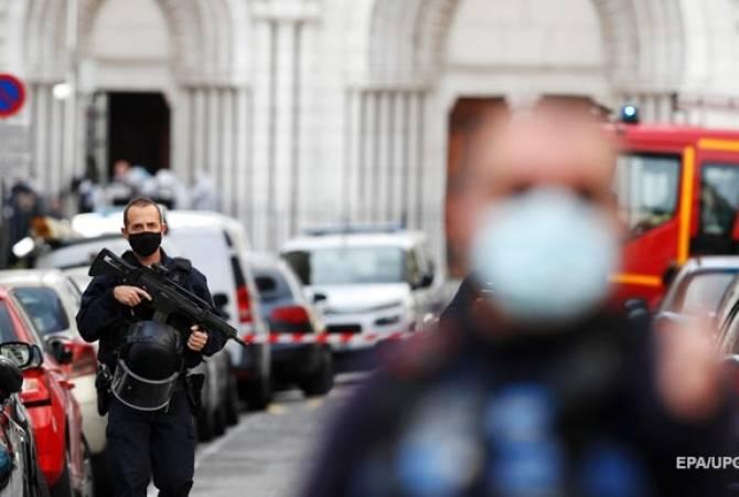 СМИ: полицейские застрелили вооруженного ножом человека в Авиньоне