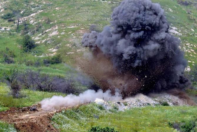 В Карабахе двое граждан Азербайджана подорвались на мине