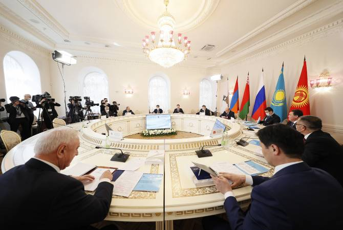 Նիկոլ Փաշինյանը մասնակցել է ԵԱՏՄ միջկառավարական խորհրդի նիստի նեղ կազմով հանդիպմանը