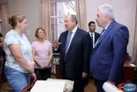 President Sarkissian donates rare Armenian Genocide photographs from personal collection to 