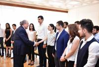 President Sarkissian hosts Yerevan State University students