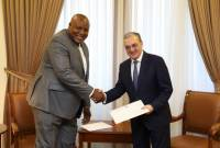 Ambassador of Congo David Maduka delivers copies of credentials to FM Mnatsakanyan