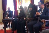 Healthcare minister becomes first post-revolution Cabinet member to meet Armenian 
