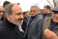 Pashinyan gets acquainted with community problems during tour in Ararat province