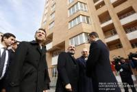 Pashinyan attends opening ceremony of new residential building in Yerevan