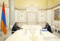 PM Pashinyan, Argentine-Armenian businessman Eurnekian discuss implementation of 