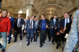 Acting PM Nikol Pashinyan, Gagik Tsarukyan attend grand 