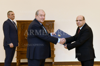 New Ambassador of Egypt presents credentials to Armenian 