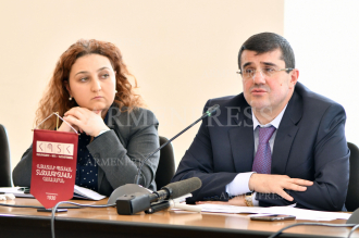 Arayik Harutyunyan, Artsakh President's advisor, meets with 