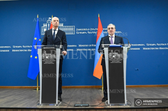 Armenian, Dutch FMs deliver joint press conference