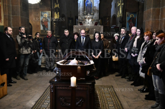 Funeral of actor Yervand Manaryan