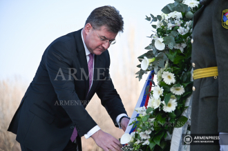 Slovak FM visits Armenian Genocide Memorial in Yerevan