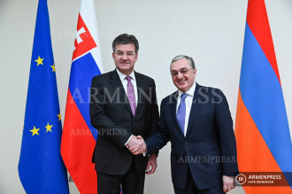 Armenian FM receives Slovak counterpart in Yerevan