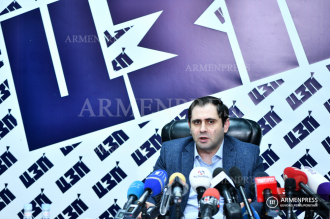 YES campaigning group leader Suren Papikyan's news 