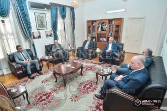 Armenian intellectuals visit Syrian Embassy in Yerevan, thank 