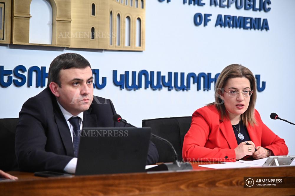 Conférence de presse des vice-ministres de l'Economie Varos Simonian et Naira Markarian