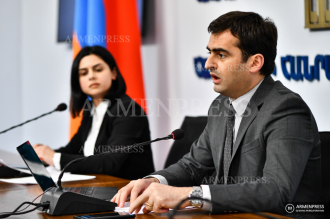 Minister of High-Tech Industry Hakob Arshakyan holds press 