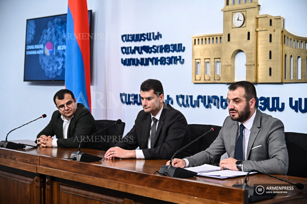 First Vice Mayor of Yerevan Hrachya Sargsyan and Vice Mayor Tigran Virabyan deliver news conference