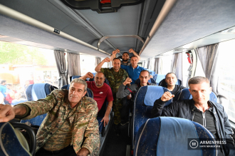 A great number Armenians volunteered to go to Artsakh 