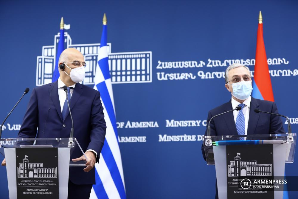 Հայաստանի ԱԳ նախարար Զոհրաբ Մնացականյանի և Հունաստանի ԱԳ նախարար Նիկոս Դենդիասի համատեղ մամուլի ասուլիսը: