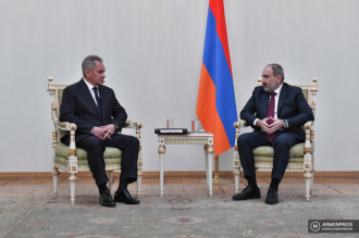 Armenian PM Nikol Pashinyan receives Russian Defense 