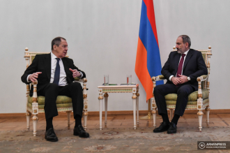 Armenian Prime Minister Nikol Pashinyan holds meeting with 