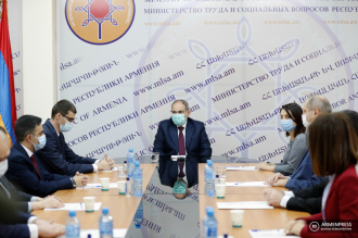 Armenian Prime Minister introduces new minister of Labor and 